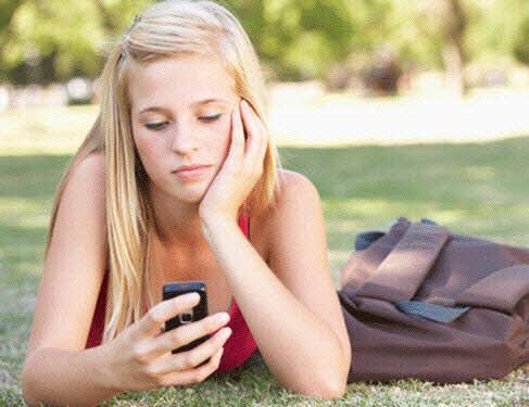Nghiện smartphone khiến sa sút việc học - 1