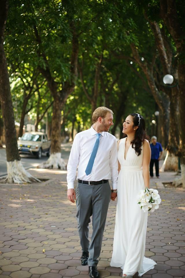 Lộ ảnh cưới hiếm hoi của Ngô Phương Lan - 1