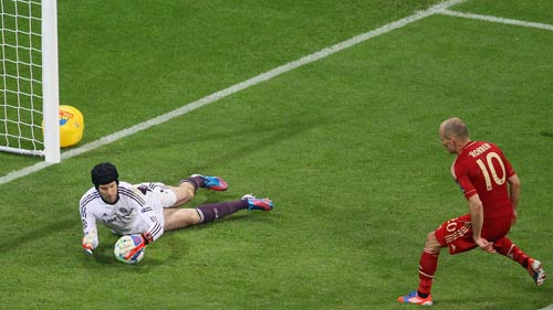 """Bayern đang """"hoảng loạn"""" vì người Anh - 1"""