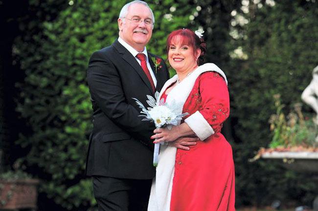 Cặp đôi người Anh Philip Broughton và Fiona Wiltshire đã chọn thời khắc đặc biệt trong lịch sử để tổ chức lễ cưới cho mình, vào lúc 14 giờ 15 phút ngày 11/12/2013. Phải chờ hơn 90 năm nữa mới có được chuỗi số tiến đặc biệt như vậy.