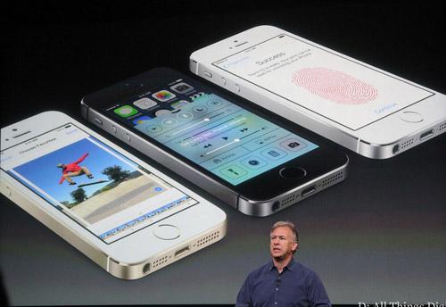 iPhone 5S vượt mặt Galaxy S4 trong tháng 10 - 1