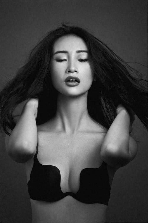 """Top ngực """"chũm cau"""" mê hoặc mày râu Việt - 1"""