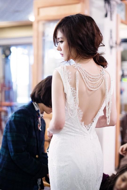 Jang Nara đẹp rạng ngời mặc váy cưới - 1