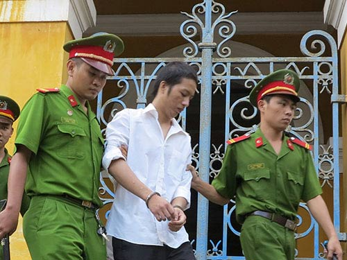 Lĩnh án tù vì rảnh việc, rủ nhau cướp, giết - 1