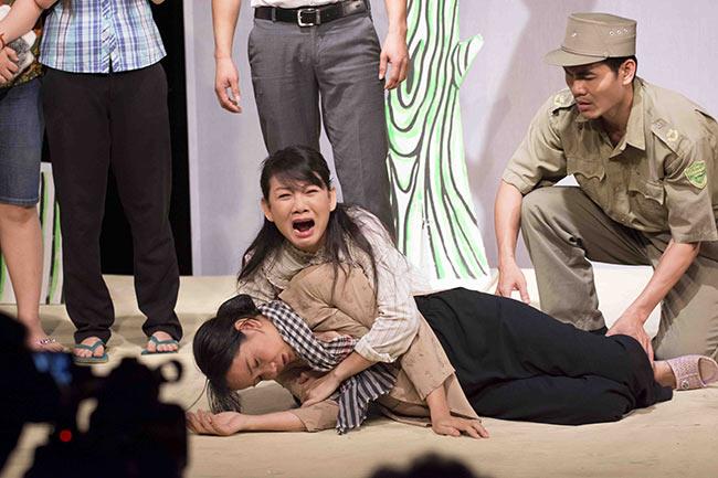 Vở kịch Phía sau tội ác: Bài học nỗi đau và thù hận - 1