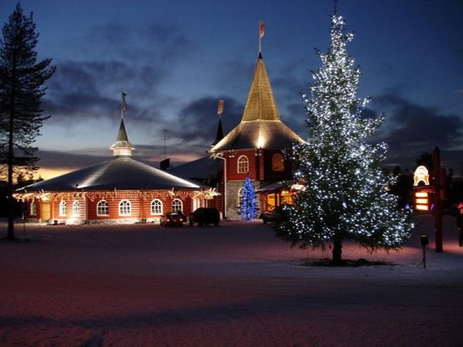 Hãy đến ngôi làng Santa Claus (Phần Lan) thăm quê hương của ông già Noel và trải nghiệm không khí mùa đông thực sự của vùng đất Bắc Cực.