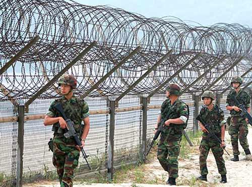 """Triều Tiên dọa """"xóa sổ"""" cả lữ đoàn của Hàn Quốc - 1"""