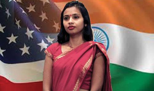 Vì sao nhà nữ ngoại giao Ấn Độ phải cởi đồ? - 1