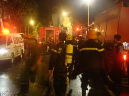 Hé lộ nguyên nhân cháy tiệm bọc yên xe, 5 người chết - 1