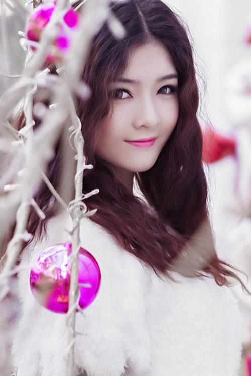 Hot girl Lilly Luta một mình đón Giáng sinh - 1