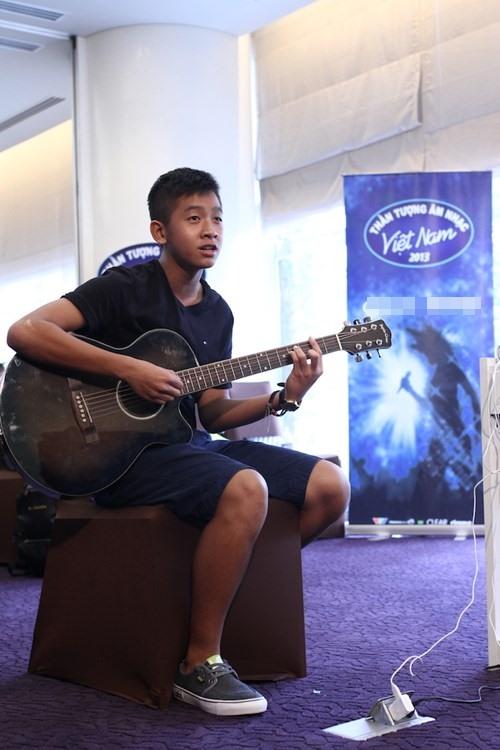 "Hot boy 16 tuổi Vietnam Idol ""gây sốt"" - 1"