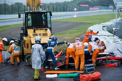 Tay đua F1 nguy kịch vì tai nạn kinh hoàng - 1