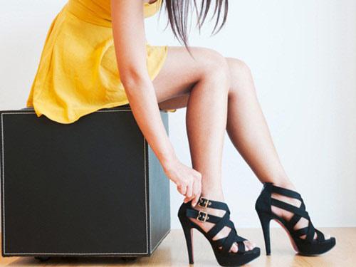 8 thói quen gây đau lưng trầm trọng - 1