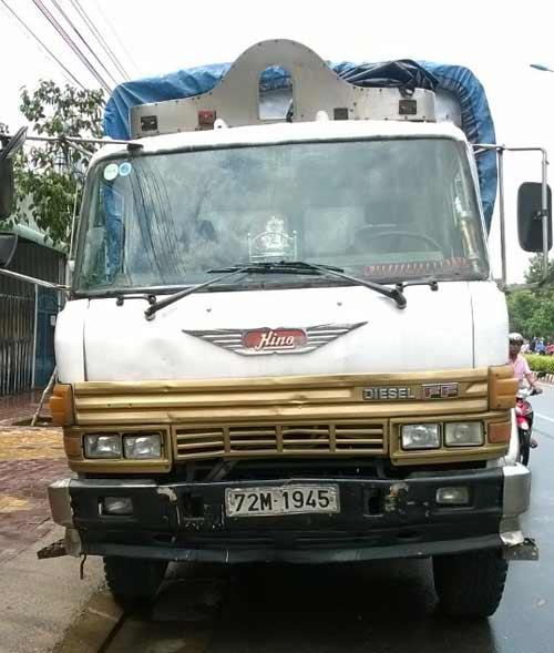 Đi mua cơm hộp, bé trai 9 tuổi bị xe tải tông tử vong - 1