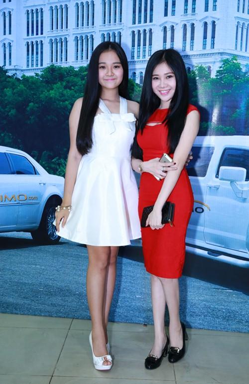 Tam Triều Dâng cùng chị gái xinh tươi đi sự kiện - 1