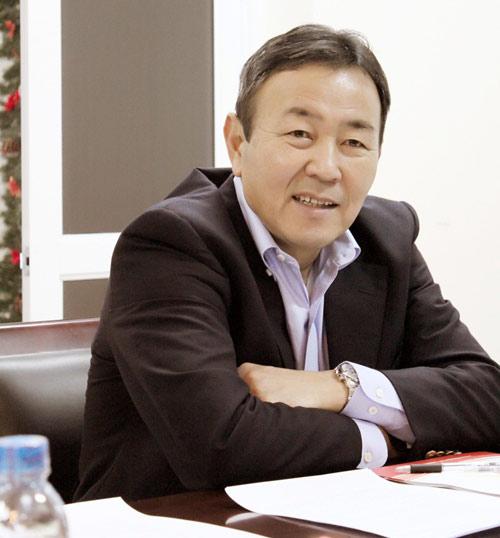 Ông Tanaka Koji bình về bạo lực ở V-League - 1