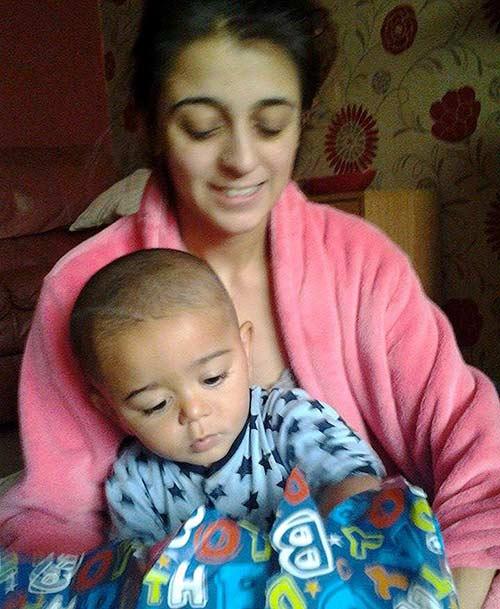 Anh: Bà mẹ trẻ xách con 14 tháng đi đầu quân cho IS - 1