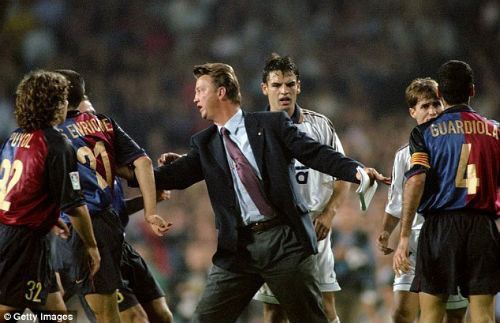 "Van Gaal ""mát tay"" ở derby, Man City lo lắng - 1"