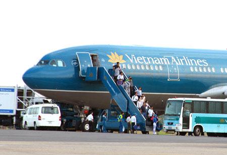 Vietnam Airlines bán 49 triệu cổ phần - 1