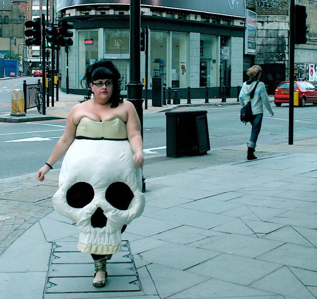 Các bạn có tự tin với trang phục này ra phố?
