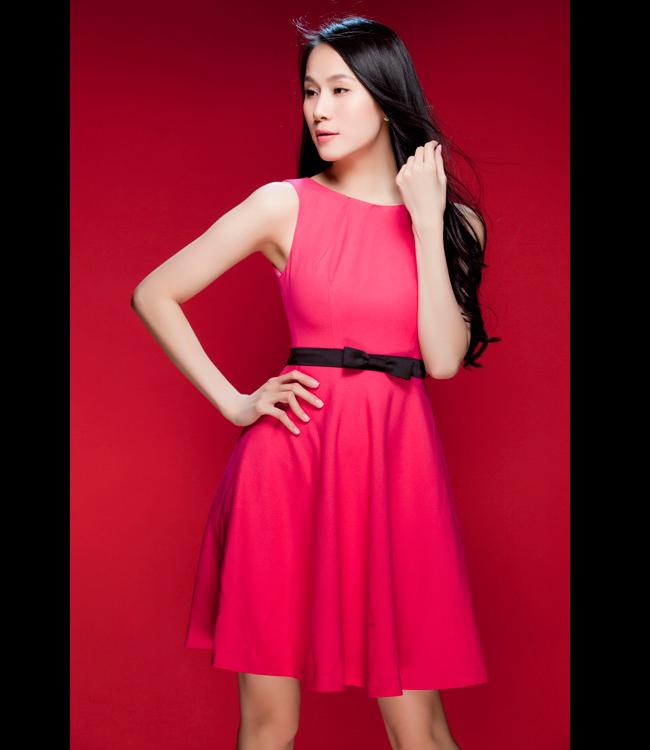 Nữ tính với chiếc váy xòe gam hồng