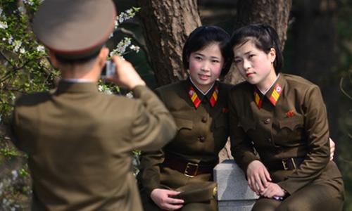 Phái đẹp Triều Tiên đua nhau xẻ mí, xăm môi - 1