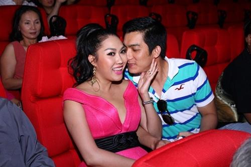 """Phi Thanh Vân: """"Chồng tôi chặt ngón tay xong vẫn ngồi hút thuốc như thường"""""""