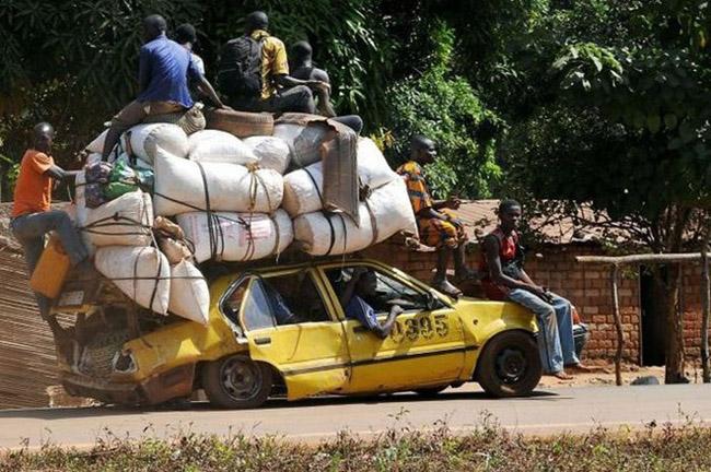 Thực sự thì chiếc xe đã quá tải