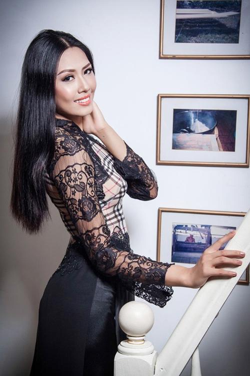 """Nguyễn Thị Loan không mặc áo """"nhái"""" đi thi Miss World - 1"""