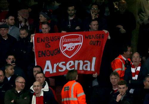 """Arsenal bết bát, Wenger bị sếp """"hỏi thăm"""" - 1"""