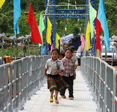 Ứng trước 400 tỷ đồng xây dựng cầu treo dân sinh - 1