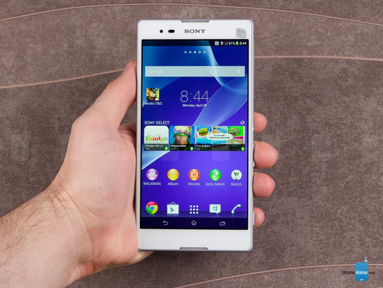 1. Sony Xperia T2 Ultra (240 USD)  Bạn đang tìm kiếm một chiếc smartphone màn hình lớn, khung mỏng, và tuổi thọ pin tuyệt vời với mức giá dưới 250 USD? Không có lựa chọn nào tốt hơn chiếc phablet 6 inch Xperia T2 Ultra của Sony. Màn hình có mật độ điểm ảnh 245ppi, mỏng 7,65mm, camera 13 megapixel phía sau.