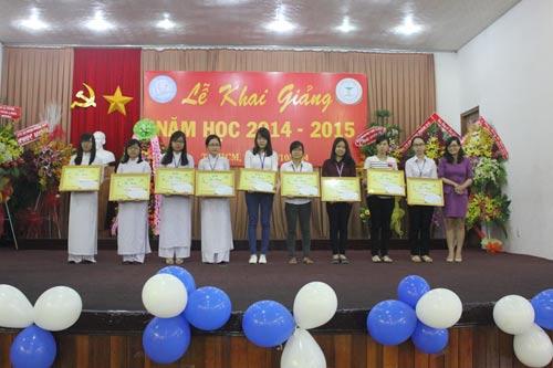 Dạ Hương chung sức cùng nữ thầy thuốc tương lai - 1