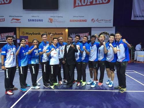"""Tiến Minh """"chạy sô"""" ở Malaysia - 1"""