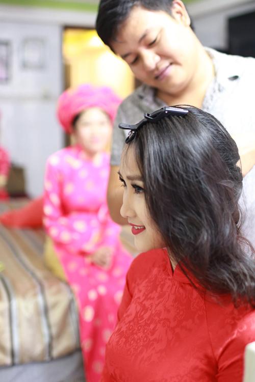 Cận cảnh cô dâu xinh đẹp của Lam Trường - 1