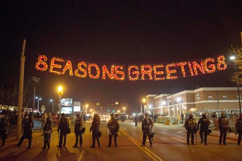 """Mỹ: Giá lạnh """"vùi dập"""" cuộc bạo loạn chống cảnh sát - 1"""