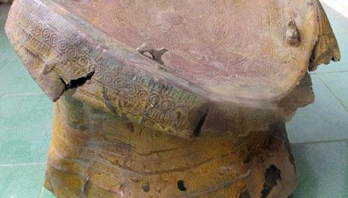 Đào ao, tìm thấy trống đồng Đông Sơn cổ, lạ - 1