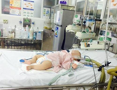 Uống thuốc cam, bé 6 tháng tuổi bị hôn mê, co giật - 1