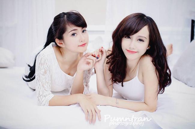 Quỳnh Phương và Kim Ngân được biết đến là hai hot girl của trường Đại học Ngoại thương Hà Nội