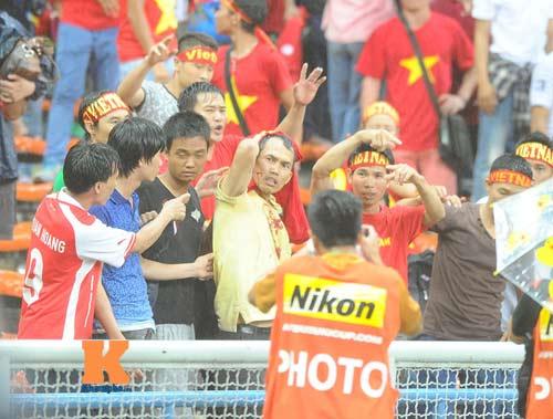Bộ trưởng Malaysia cảnh báo CĐV nhà khi đến Mỹ Đình - 1