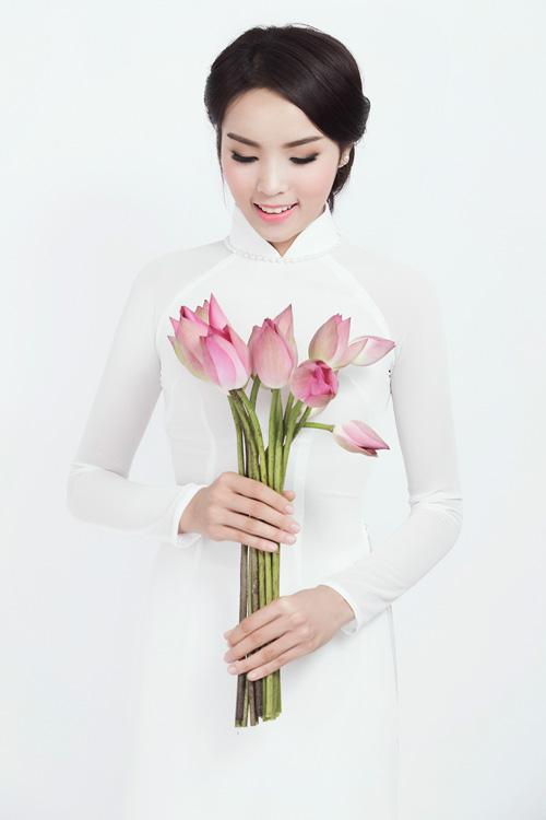 Ảnh đẹp mới nhất của tân Hoa hậu Việt Nam 18 tuổi - 1