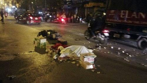 Hà Nội: Va chạm với ô tô, hai người chết tại chỗ - 1