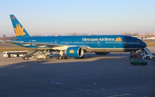 Vietnam Airlines thay đổi kế hoạch bay do bão Hagupit - 1