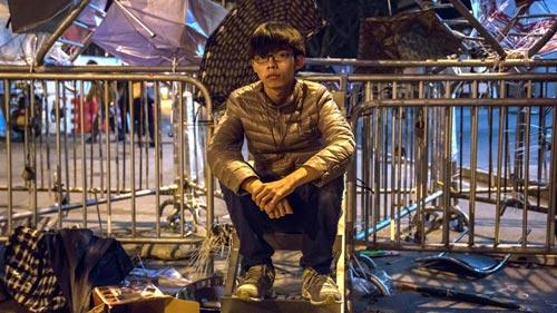 """Biểu tình Hong Kong chờ đợi """"phút khai tử"""" - 1"""