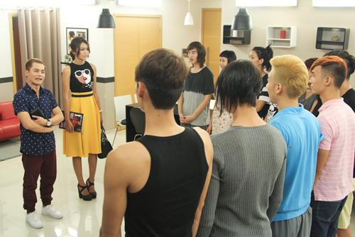 VNTM: Quán quân Mâu Thủy bất ngờ ghé thăm Nhà chung - 1