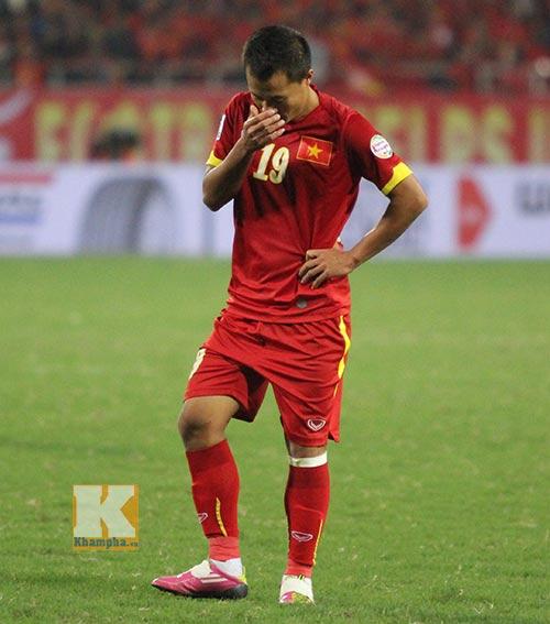 ĐT Malaysia vui sướng, cầu thủ Việt Nam khóc đỏ mắt - 1