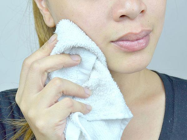 Tự chế tẩy da chết thiên nhiên giúp da sạch, bóng mịn - 6