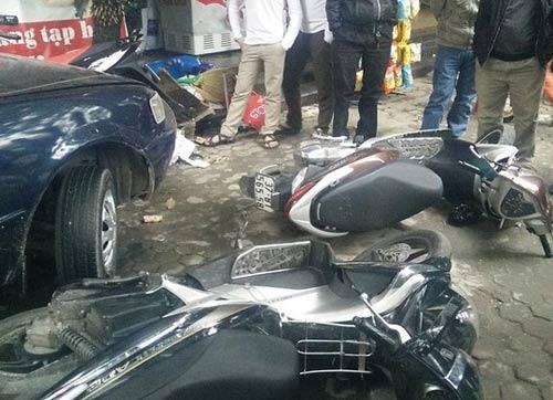 Nghệ An: Xế hộp tông hàng loạt ô tô, xe máy - 1