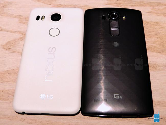 Chiếc smartphone Nexus 5X này của Google do LG sản xuất. Máy được xây dựng với màn hình 5.2 inch IPS LCD độ phân giải Full HD 1080p và có mật độ điểm ảnh 424ppi. Màn hình này cũng được phủ một lớp kính bảo vệ Gorilla Glass 3.