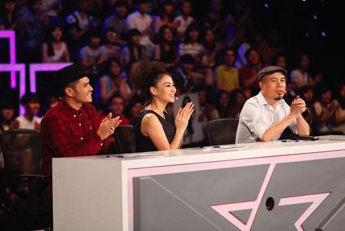 Thu Minh tất bật ngồi ghế nóng và chạy show Hà Nội - 1